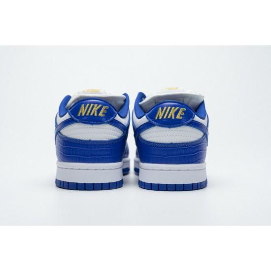 Supreme x Nike SB Dunk Low Blue Stars